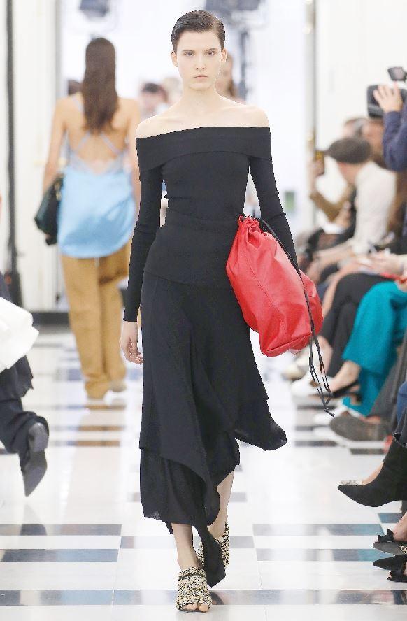 维多利亚贝克汉姆的首次伦敦时装周秀