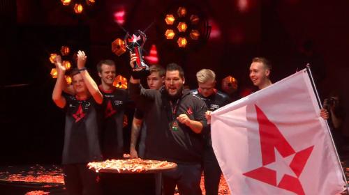 恭喜Astralis摘得2018Major桂冠!迪瑞克斯见证荣耀时刻