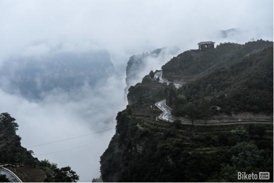 风雨天路 征途无阻—— 太行大峡谷KOM爬坡王挑战赛完美收官