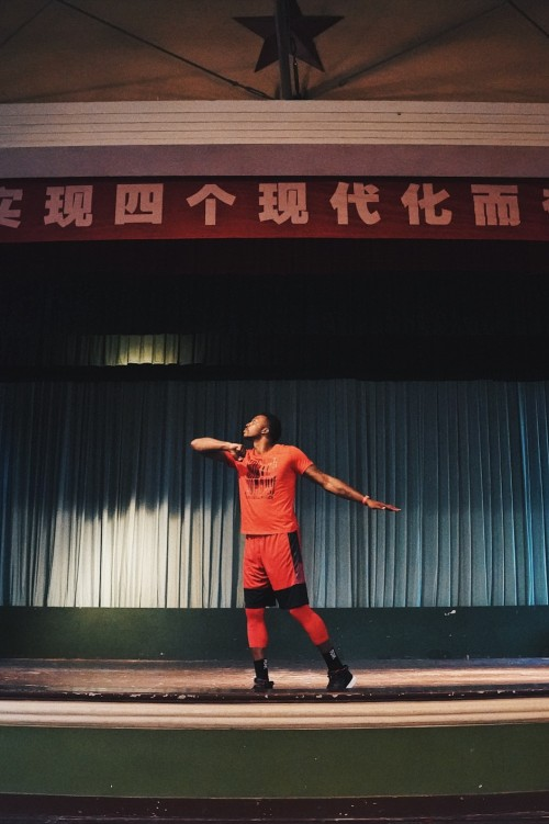 霍华德中国行尾声,造访电影公社感受复古中国风