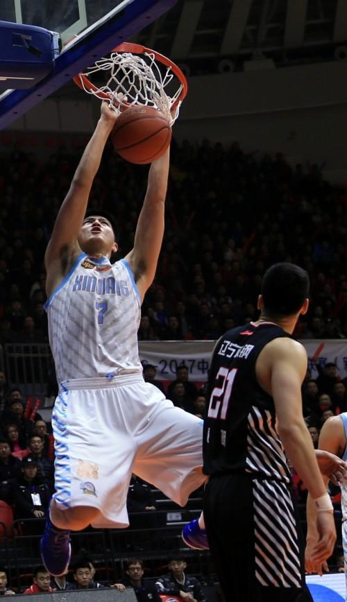 新疆男篮两国手畅谈新赛季 阿不都:做好自己才能走到最后