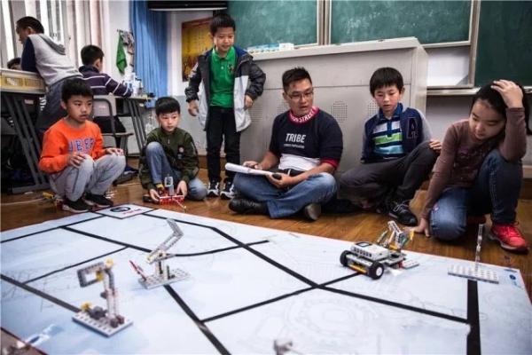 机器人大赛全国一等奖?这位四年级的小朋友可不是一般牛