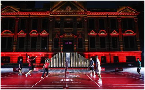 高球明星闪亮羽毛球场,跨界力挺高球运动蓬勃发展