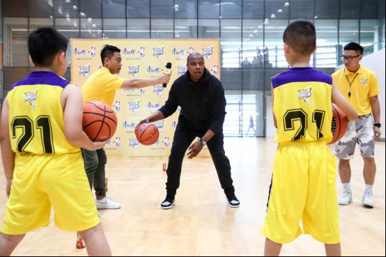 燃球梦想在行动,康师傅牵手腾讯跨界助燃篮球梦