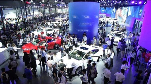 乐摩吧首次亮相全国最具影响力车展盛会,引领按摩新风潮