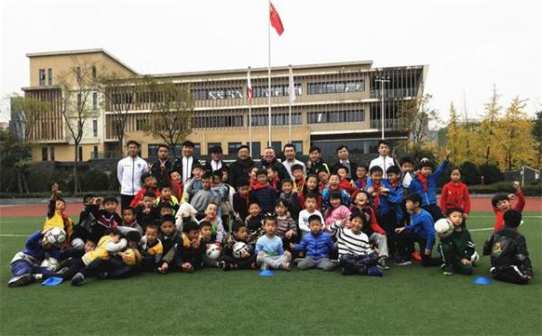千辰体育牵手新西兰温斯顿里德足球学校,共同发展青少年足球业务