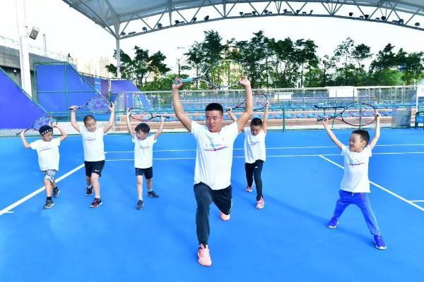 """星乐度营员网球公开课,拜师王蔷!和小营员们""""挥拍青春,绽放梦想"""""""