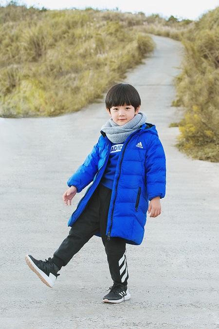 """阿迪达斯推出全新冬季儿童运动装备 打造""""冬日型动派""""新体验"""