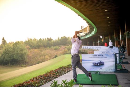 百位校友汇聚 2018英菲尼迪·清华经管EMBA高尔夫协会全国大赛火爆开杆