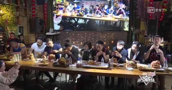 """《極減挑戰》精彩不斷:""""大胃王""""吞下10斤漢堡獲10萬獎金"""