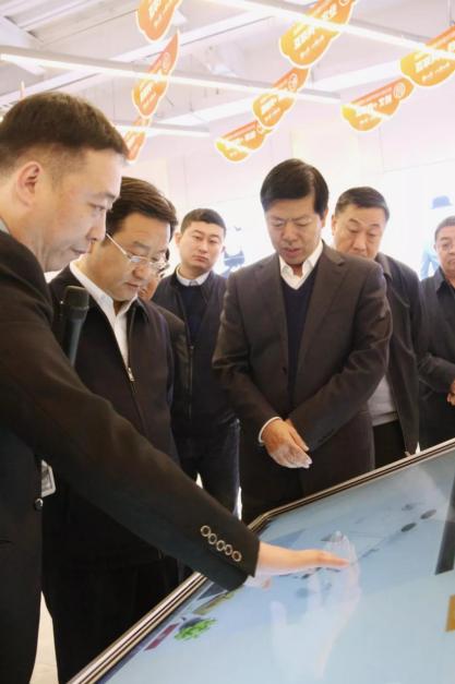 郑州市委副书记、市长王新伟一行莅临八戒河南园区参观调研!