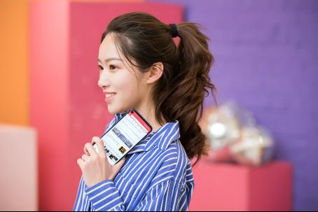 Galaxy A8s售价仅2799元 三星这次动真格的了!