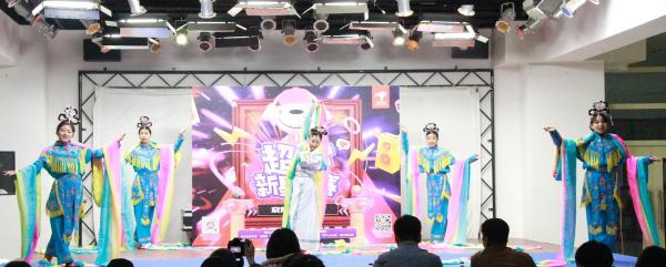 """亮嗓""""小碧晨""""开嗓惊艳全场,京东超级新星大赛全国40强出炉"""