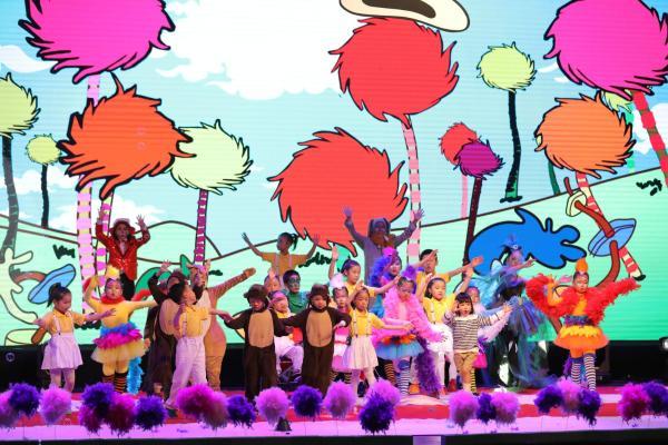 情暖童心,乐宁教育小学员精彩演绎经典音乐剧《Seussical》