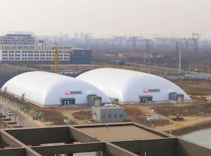 市区、校园气膜体育馆积极投入使用,应对雾霾围城困境
