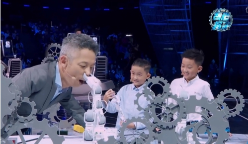 童心制物(Makeblock)奇创世界亮相《智造将来》,领略不一样的机器人世界