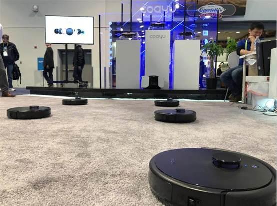 科语小黑匣扫地机器人亮相美国CES展,曝光会跳舞的扫地机器人
