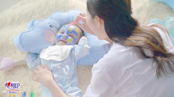心相印婴儿湿巾引领新潮育儿观——亲妈坑娃,掀起年轻妈妈晒娃热潮