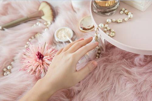 MISDIARY 珍珠贵妇膏,轻奢健康护肤好榜样