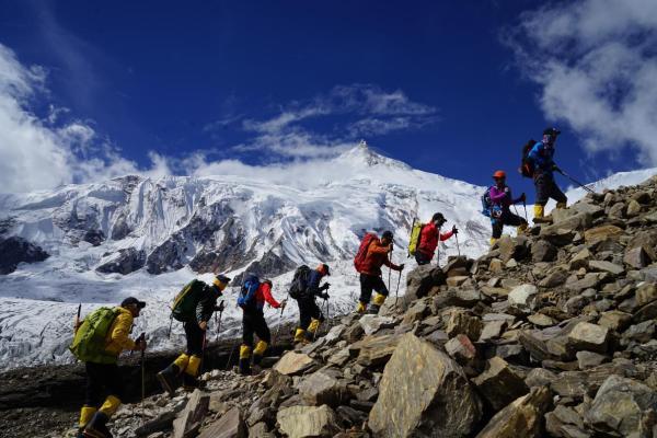 等妳一起   凯岳女子登山队 征战世界第八高峰