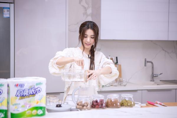 心相印代言人田馥甄直播,畅聊她的2019新年心愿望清单