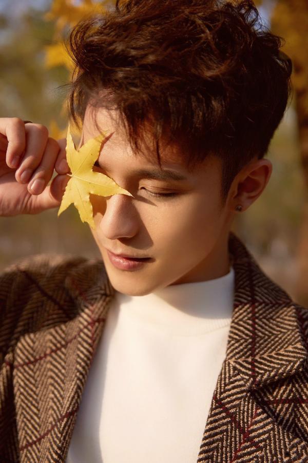 林轩成全新单曲《手心的爱琴海》情人节浪漫上线