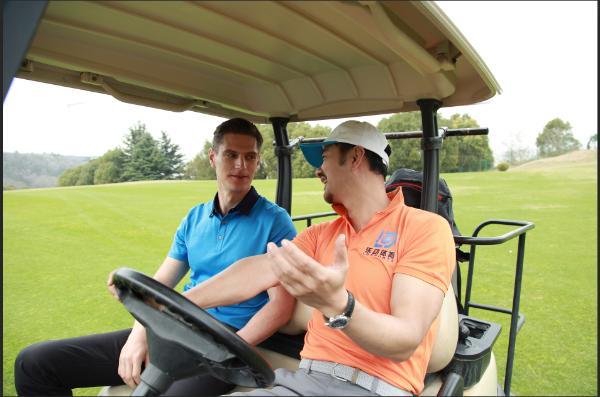 乐动体育举行高尔夫场地体验活动