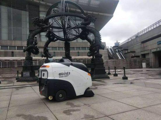 环卫行业正式进入3.0时代,无人环卫车成为香饽饽