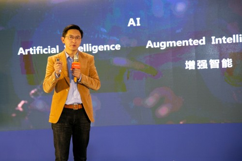 iTutorGroup创始人杨正大:教育的本质是唤醒好奇心