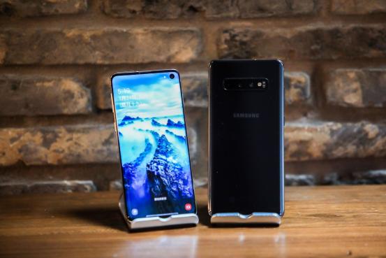 三星Galaxy S10系列遭抢购,为技术买单成消费趋势