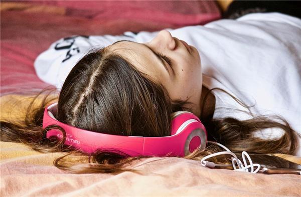 睡眠不好总犯困?你应该试试好评不断的酷狗虚拟环境音效