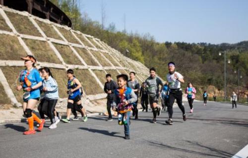 官方发布   2019中国山地马拉松系列赛-信阳鸡公山站圆满举行