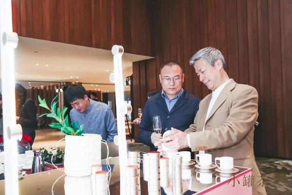 """小罐茶连续四度携手""""墙艺术"""",艺术化呈现中国茶的新生力量"""