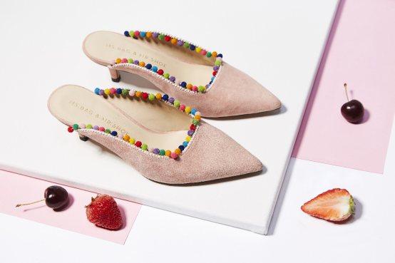 """""""包小姐与鞋先生""""这家店不仅会玩颜色,还将饰品搬到了鞋子上!"""