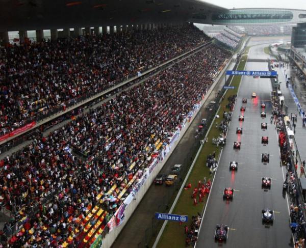 汉密尔顿上海获第六冠,维特尔为法拉利赢香槟