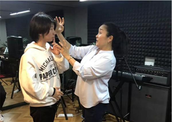 国际音乐大师中国行 上海开班为百名学子传授音乐艺术