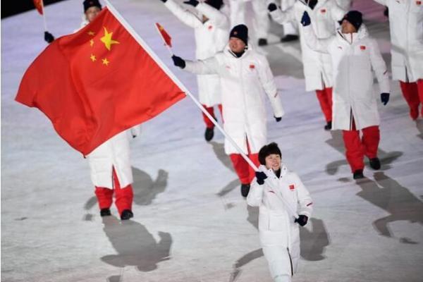 """安踏集团厦门""""北京冬奥会备战保障办公室""""正式投入使用 近十载合作,共筑冰雪桥梁"""