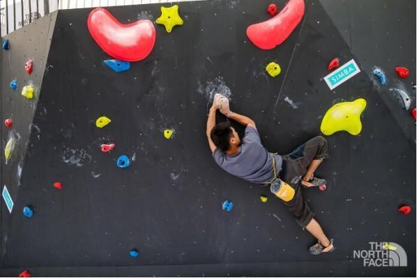 床垫的另类打开方式:SIMBA高科技床垫霸气守护攀岩安全