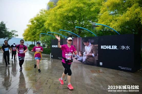 """2019长城马拉松盛大开跑,火爆人气背后是视觉系马拉松的""""越虐越爱"""""""