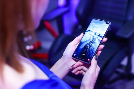 母亲节的仪式感 三星Galaxy S10实用手机推荐