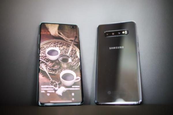 三星Galaxy S10系列:首创超感官全视屏 打造院线般视听体验