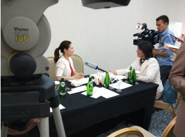 爸爸的选择接受乌兹别克斯坦国家24H新闻电视台专访