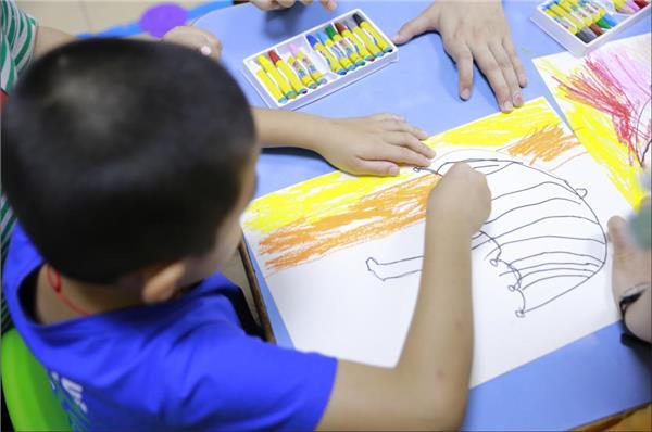 """这个六一让""""星星的孩子""""不孤单,思考乐举行关爱自闭症儿童公益活动"""
