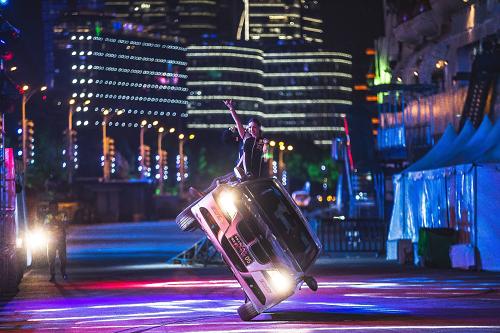 好莱坞汽车特技表演登陆上海北外滩!上演真实版速度与激情!