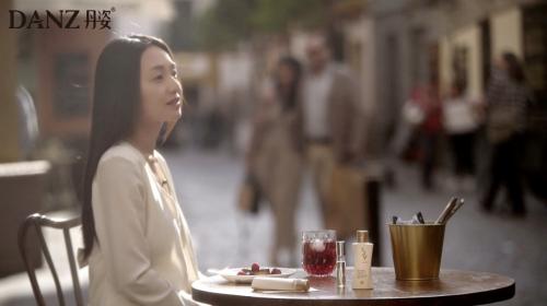 丹姿丝维丽:香氛与艺术浪漫邂逅,来赴一场西班牙寻香之旅!