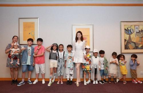 苏宁818开燃,KIDS WORLD萌娃唱响红歌为70周年国庆献礼