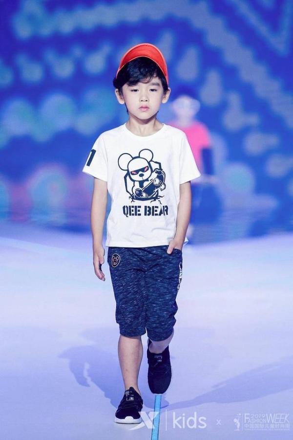 """中国国际儿童时装周亮相""""魔都"""",让童装与孩子""""衣路童行"""""""