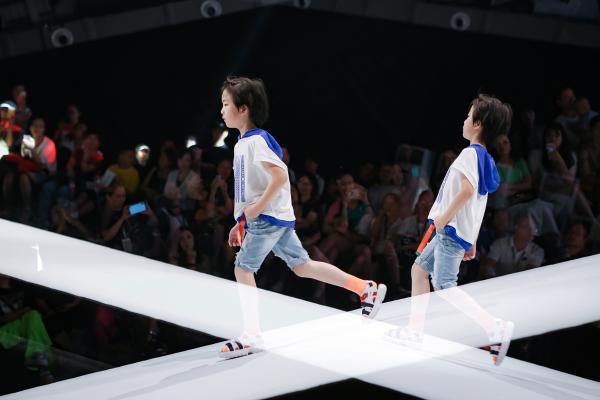 中国亲子时装2020新品来袭,E.I主题秀引领时尚潮流