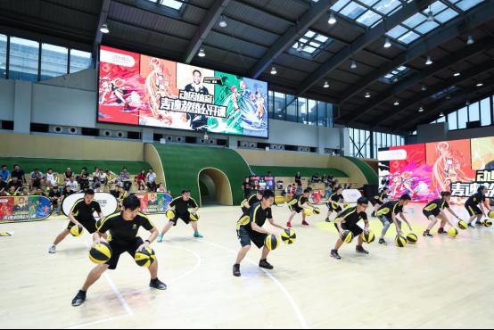 动因体育篮球技术总监麦迪——是时候我给予这些小孩们回馈了