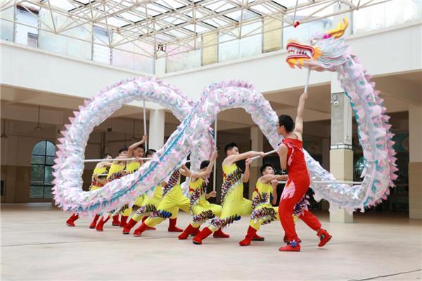 打造优质教育的新名片—江西省西山学校特色管理模式建设侧记